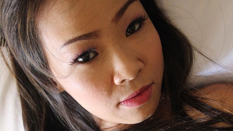 Impatient Asian Momma Fucks